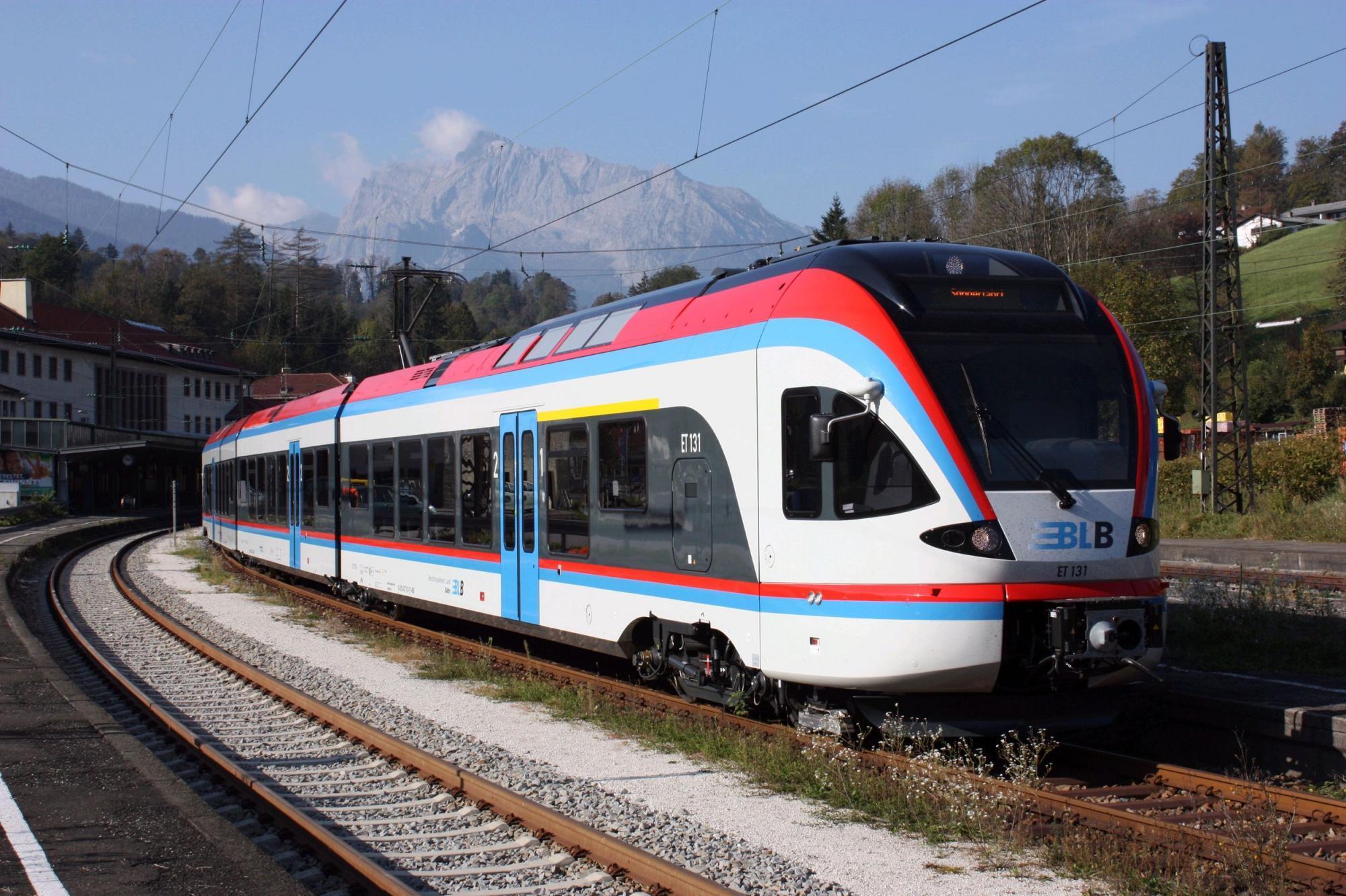 Personenzüge | FLIRT_BERCHTESGARDENER_LANDBAHN_1_BIG.JPG | © Stadler Rail/Alpha Trains/BLB