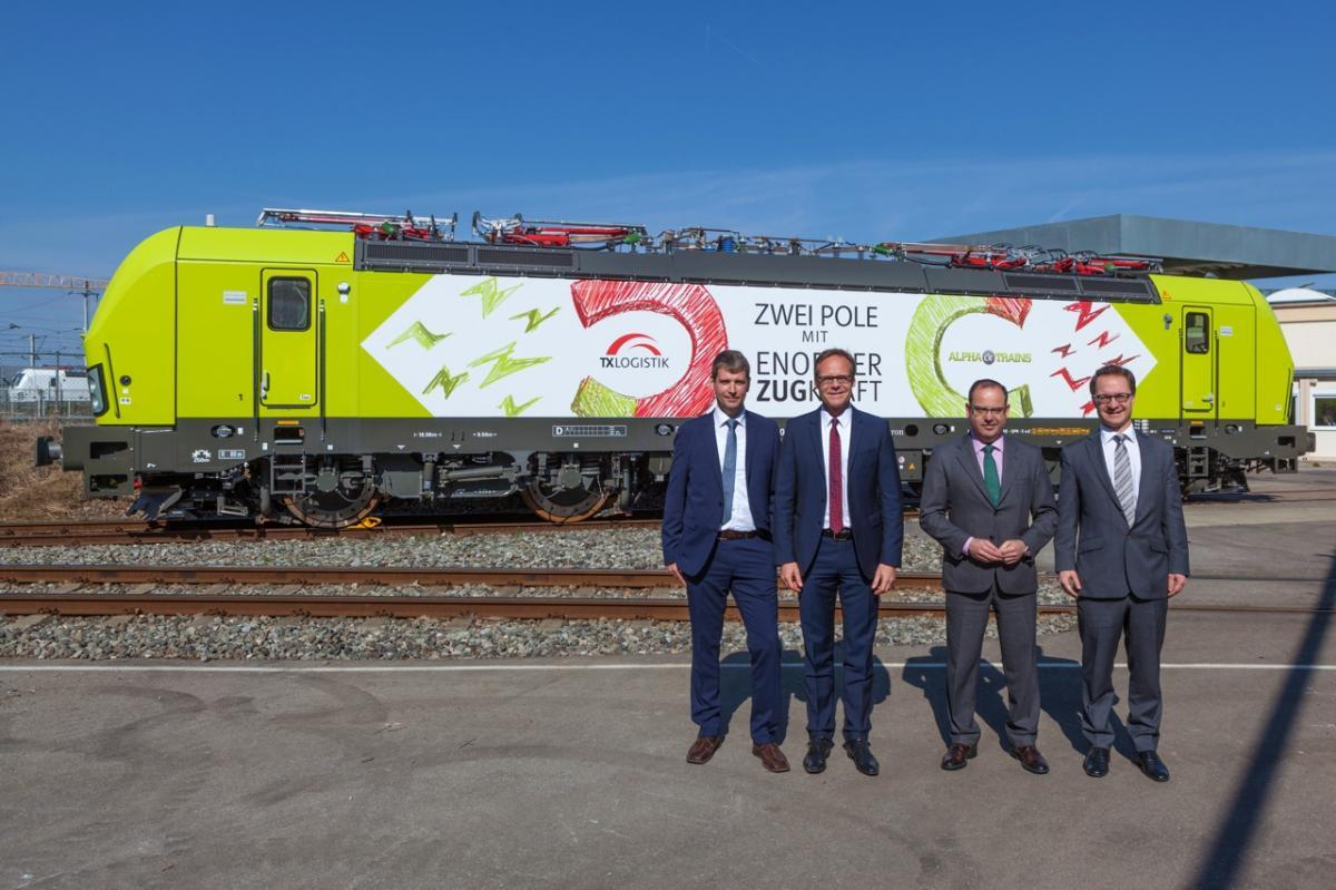 Delivery of the first Vectron Multisystems to TX Logistik